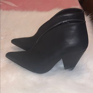 Women's Black ankle boots size 6.5